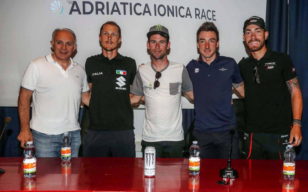 Viviani, Cavendish, Trentin e Nizzolo lanciano l'Adriatica Ionica Race